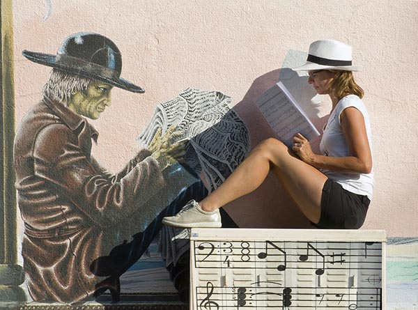 Reading the music