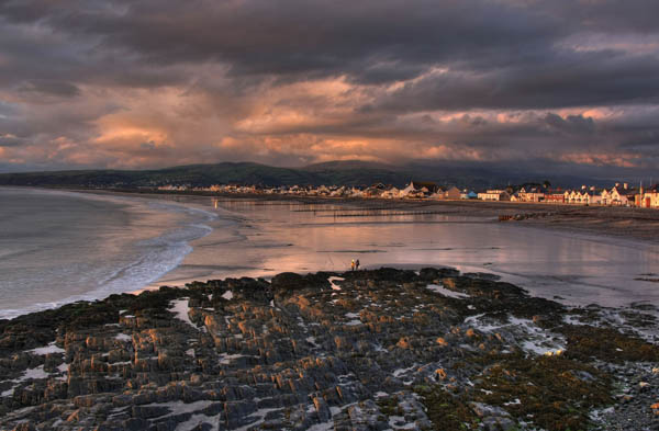 Storm over Borth / Transient Light